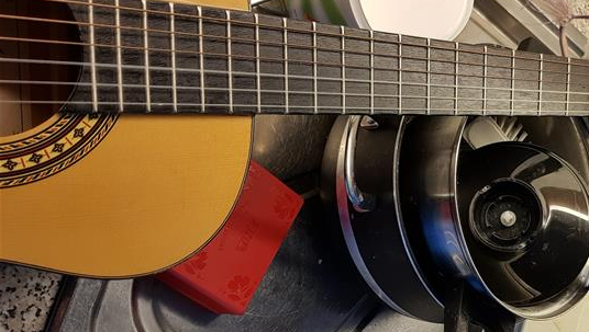 Bidra.no - Gitar og oppvask