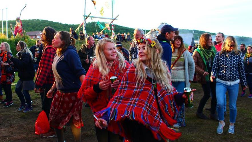 Bidra.no - Jubileumsbok for Karlsøyfestivalen 20 år!