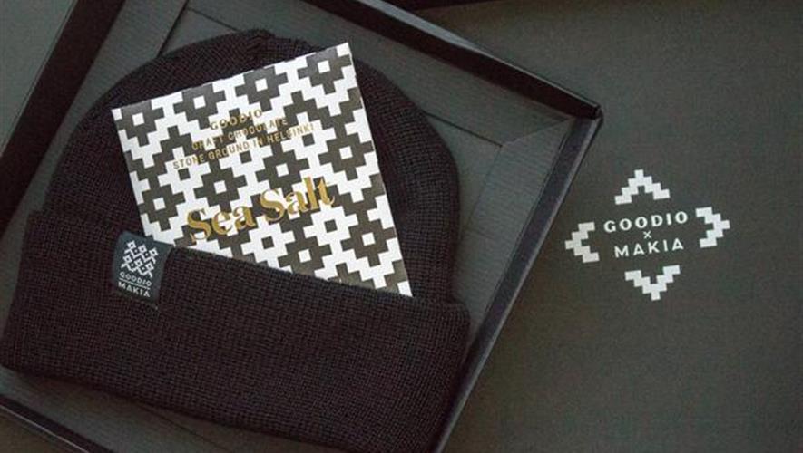 Bidra.no - Goodio x Makia - Gavepakke med sjokolade + Lue